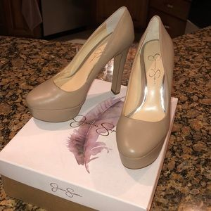 Nude Jessica Simpson Pumps